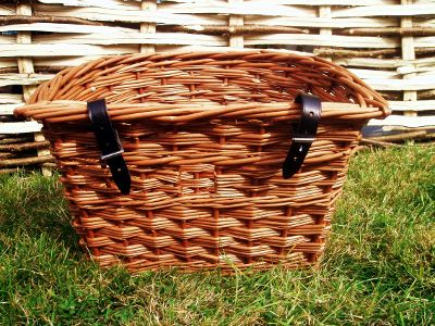 Child's D-shaped willow cycle basket