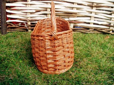 Large oval willow shopping basket
